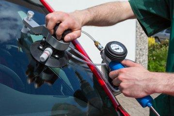 North York Auto Glass Repair Shop